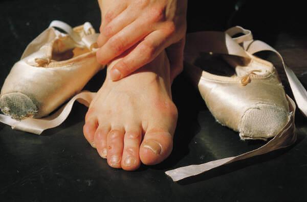 アキレス腱痛、足首の痛み、バレエ・ダンスのケガ、バレエ治療院あんじゅ