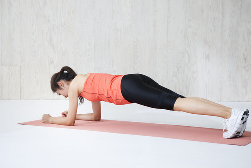 バレエの体幹トレーニングプランクは適切な姿勢が大切、バレエ治療院あんじゅ