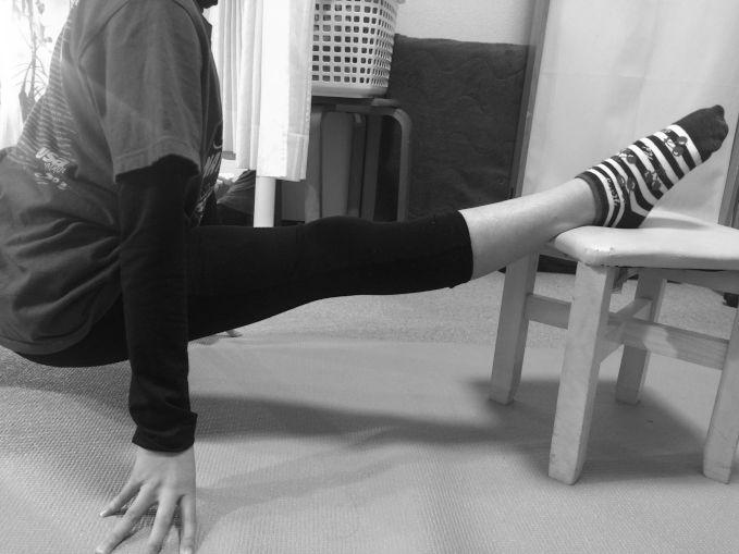 椅子開脚改善、フィギュアスケート、新体操の開脚サポート、バレエ治療院あんじゅ