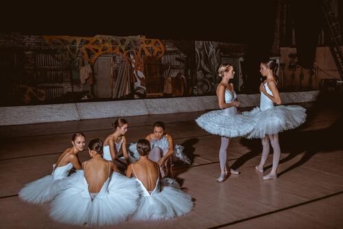 バレエ団、バレエカンパニー、ダンサーのケガ、治療、バレエ治療院あんじゅ